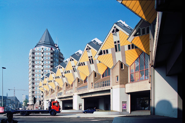 Kubuswoningen, Blaakoverbouwing / Cube Houses, Blaak Heights ( P. Blom )