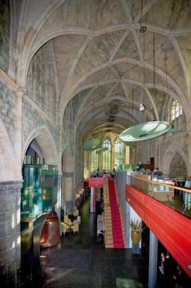 Kruisherenhotel / Kruisheren Hotel ( Satijnplus Architecten )