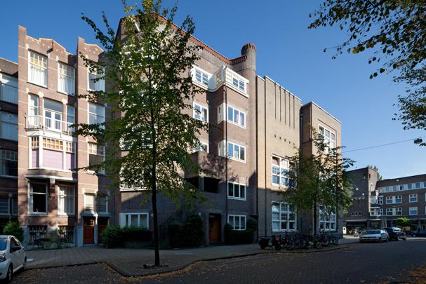 Woningbouw Het Zwarte Huis / Housing Het Zwarte Huis ( P.L. Kramer )