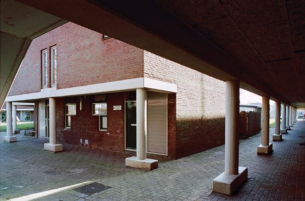 Woningbouw Berkel en Rodenrijs / Housing Berkel en Rodenrijs ( W.J. Brinkman, H. Klunder, J. Verhoeven, N. Witstok )