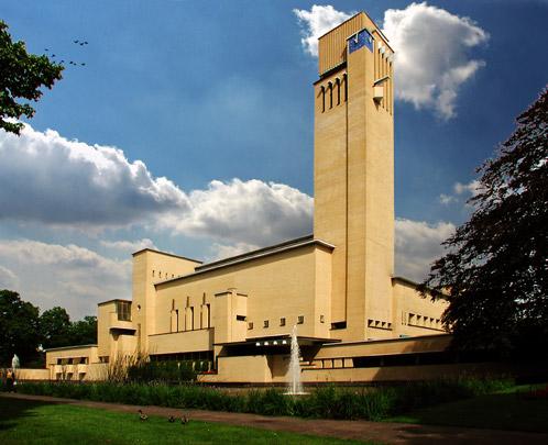 Raadhuis Hilversum  / Town Hall Hilversum  ( W.M. Dudok )
