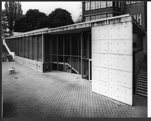 Uitbreiding Rijksuniversiteit Limburg / Extension to Rijksuniversiteit Limburg ( J.M.J. Coenen )