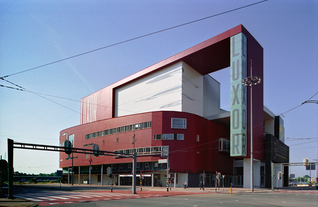 Theater Luxor  / Theatre Luxor  ( Bolles + Wilson )