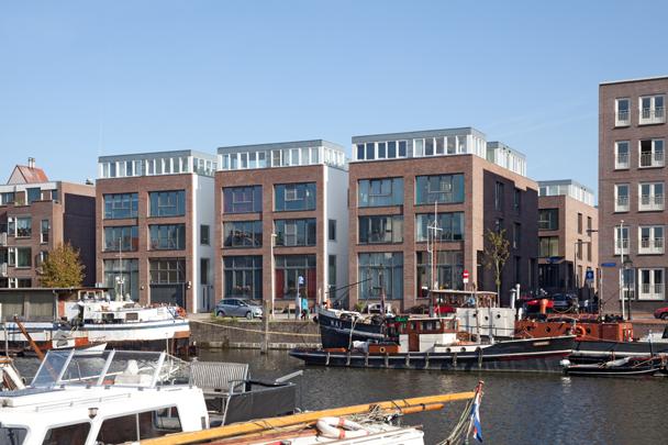 Woningbouw Achterhaven / Housing Achterhaven ( Studio Sputnik )