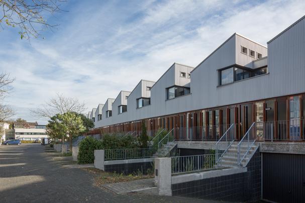 Woningbouw De Pont / Housing De Pont ( Neutelings Riedijk )