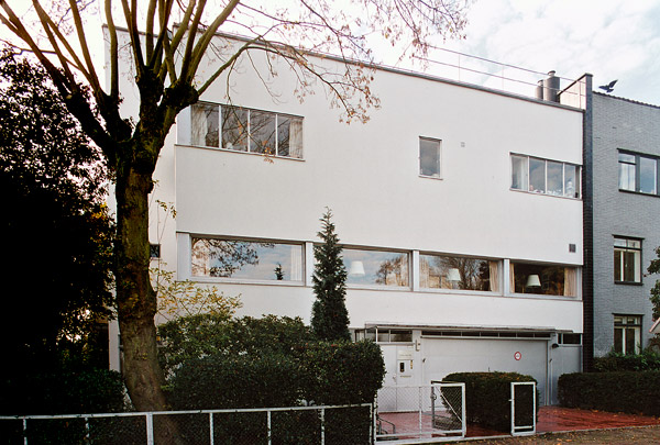 Woonhuis Van der Leeuw (Rotterdam) / Private House Van der Leeuw (Rotterdam) ( Brinkman & Van der Vlugt )