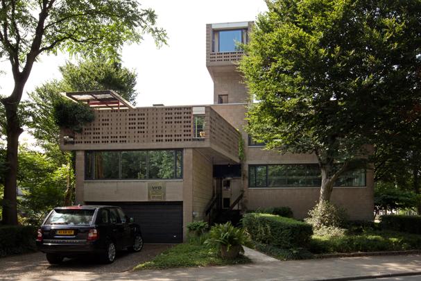 Eigen woonhuis Dingemans met kantoor / Own House Dingemans with Architect's Office ( P.H. Dingemans )