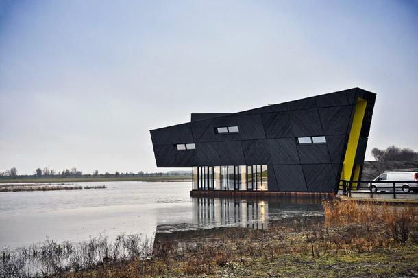 Natuurbelevingscentrum Oostvaardersplassen / Nature Centre Oostvaardersplassen ( Drost + van Veen )