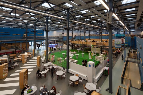 Faculteit Industrieel Ontwerpen TU Delft / Faculty Industrial Design TU Delft ( A.P.J.M. Verheijen (VVKH Architecten) i.s.m. LIAG architecten )