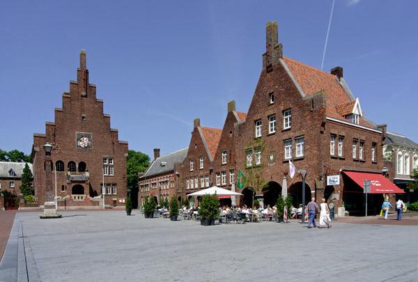 Raadhuis Waalwijk / Town Hall Waalwijk ( A.J. Kropholler )