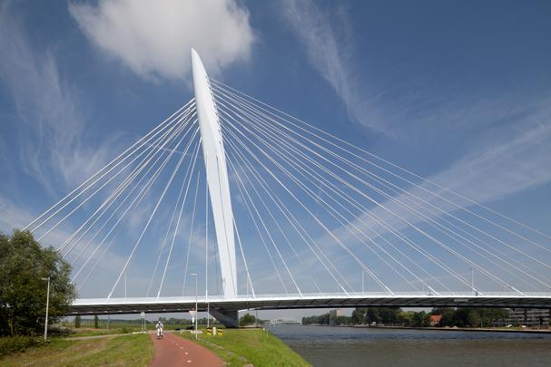 Prins Clausbrug / Prins Claus Bridge ( B.F. van Berkel (UN Studio) )