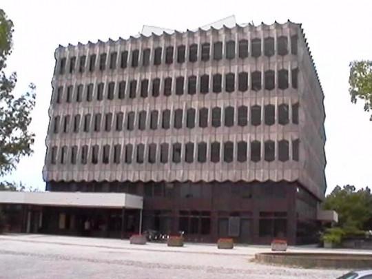 Stadskantoor Sittard / Municipal Office Sittard ( A.H.J. Swinkels, B.H.H.L. Salemans )