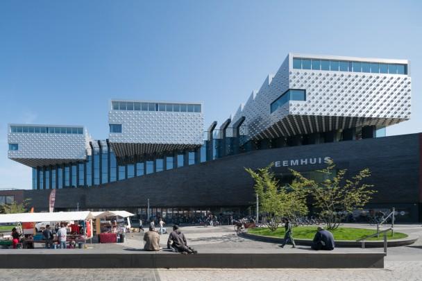 Kunstcentrum Het Eemhuis / Kunstcentrum Het Eemhuis ( Neutelings Riedijk )