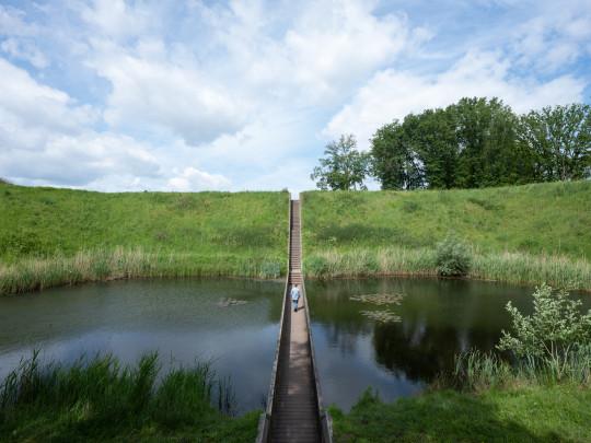 Loopgraafbrug Fort de Roovere / Loopgraafbrug Fort de Roovere ( RO&AD architecten )