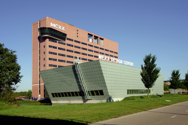 Kantoorgebouw Nissan / Office Building Nissan ( ZZ&P )