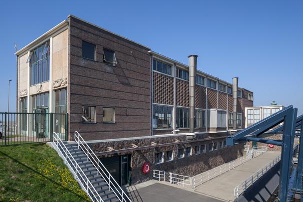 Boezemgemaal Katwijk aan Zee / Pumping Station Katwijk aan Zee ( B. Buurman, M.P. Schutte )
