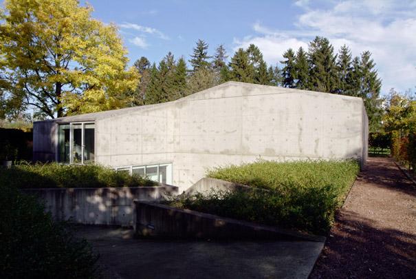 Hedge House / Hedge House ( W.M.J. Arets )