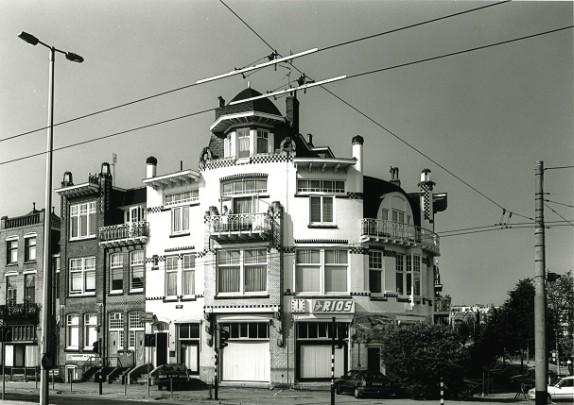 Winkel / woonhuizen Zijpendaalseweg / Housing and shops Zijpendaalseweg ( W. Diehl )