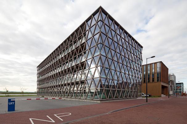 Kantoorgebouw de XXX-en / Office Building XXX ( BNB architecten, BO6 architecten )