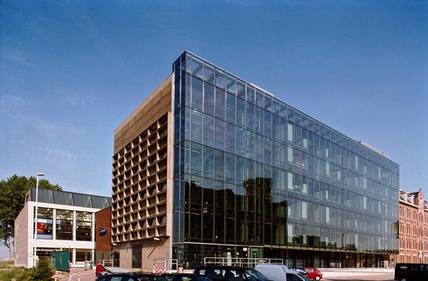 25kV-Bedrijfsgebouw / Mixed-Use Building ( R. Winkel )