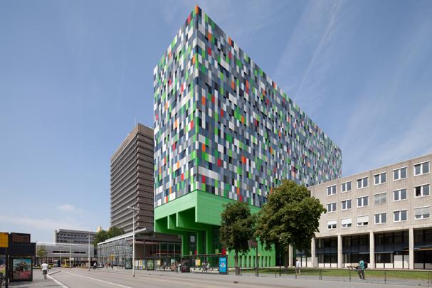 Studentenhuisvesting Uithof (Casa Confetti) / Student Accomodation Uithof (Casa Confetti) ( M.Chr. Rohmer )