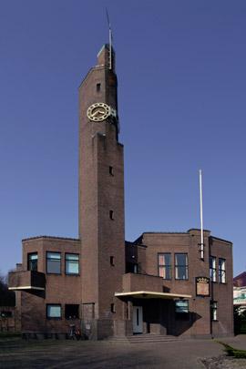 Raadhuis Usquert / Town Hall Usquert ( H.P. Berlage )
