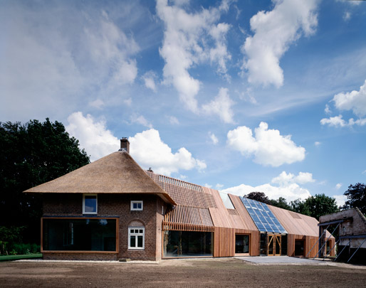 Boerderij De Wolzak / Farmhouse De Wolzak ( B. Mastenbroek (SeARCH) )