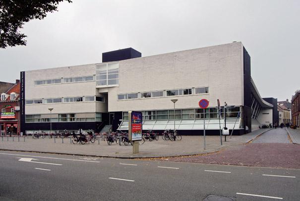 Bibliotheek; Muziekcentrum De Nieuwe Veste / Library; Music Centre ( H. Hertzberger )