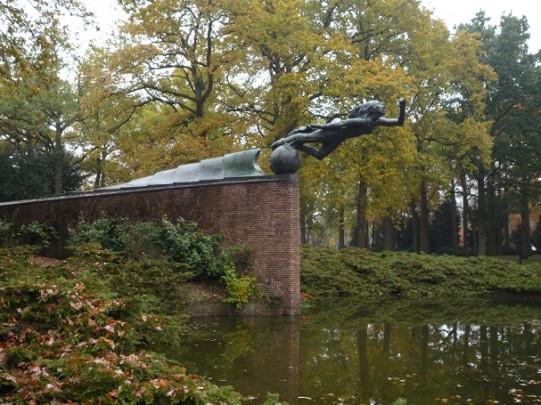 Radiomonument / Radio Monument ( D. Roosenburg, A. Termote )