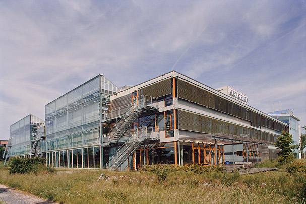 Onderzoeksinstituut IBN-DLO / Research Centre IBN-DLO ( S. Behnisch (Behnisch, Behnisch & Partner) )