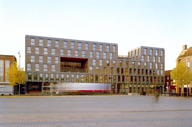 Woningbouw De Commissaris / Housing De Commissaris ( KCAP )