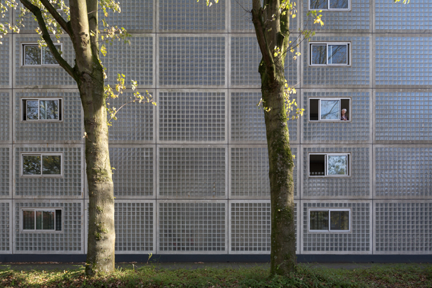 Ouderenhuisvesting De Pont / Housing for elderly De Pont ( W.M.J. Arets )