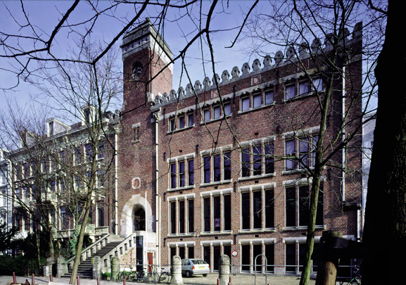 Kantoorgebouw Algemeene Nederlandsche Diamantbewerkersbond (De Burcht) / Office Building Algemeene Nederlandsche Diamantbewerkersbond (De Burcht) ( H.P. Berlage )