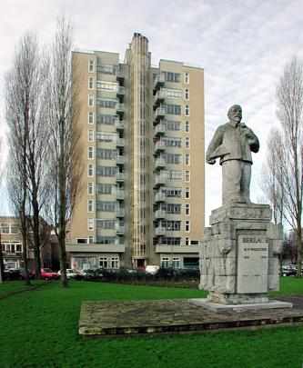 Woongebouw De Wolkenkrabber / Housing Block The Skyscraper ( J.F. Staal )