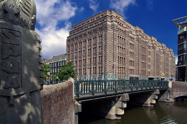 Kantoorgebouw Nederlandsche Handel-Maatschappij / Office Building Nederlandsche Handel-Maatschappij ( K.P.C. de Bazel )