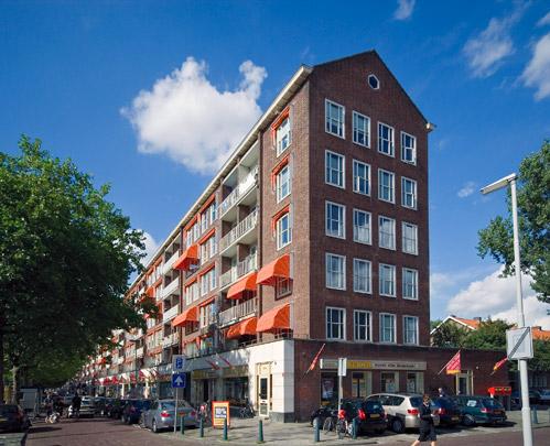 Woningbouw met winkels Wereldhaven / Housing and Shops Wereldhaven ( J. Wils; J.C. Bolten, D. Dürrer, AE.G. & J.D. Postma )