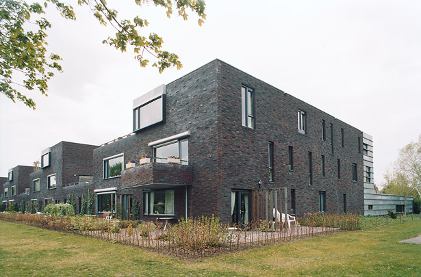 Ouderenhuisvesting Eelde / Apartments for the Elderly Eelde ( Onix )