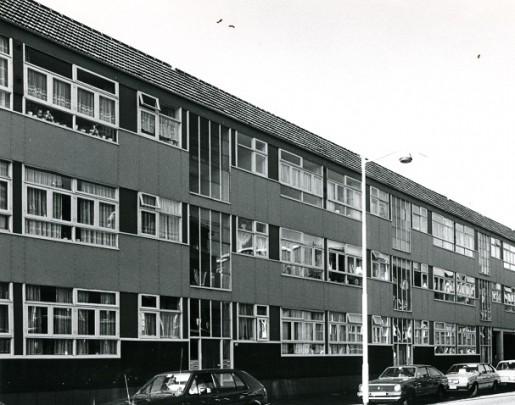 Woningbouw Frans Bekkerstraat  / Housing Frans Bekkerstraat  ( W. van Tijen )