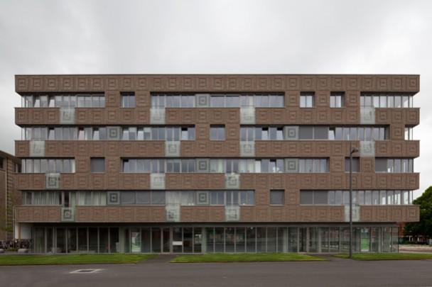 Woongebouw Bloemhof / Housing Block Bloemhof ( M.Chr. Rohmer )