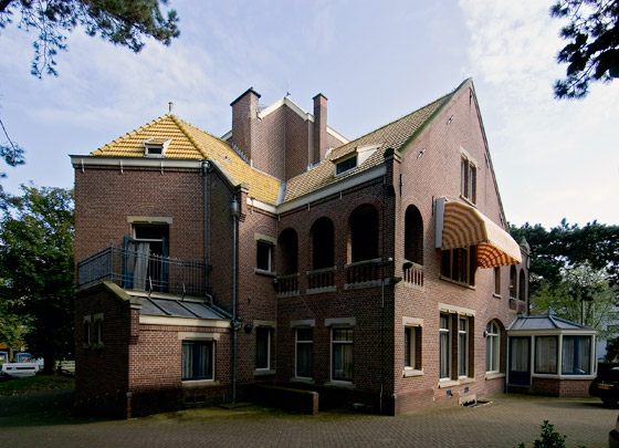 Woonhuis Henny (Den Haag) / Private House Henny (The Hague) ( H.P. Berlage )